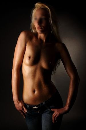 Escorts South Ealing sexy blonde as you required